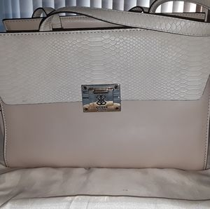 Guess purse - vegan leather*:-)